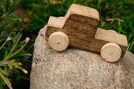 wooden-car-1039298__180